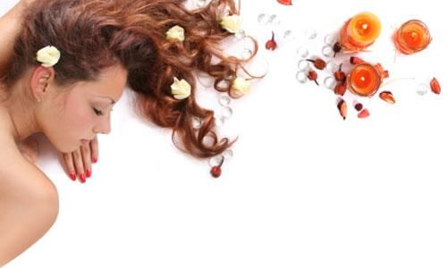 Cura dei capelli: scopriamo le cure naturali per capelli secchi e sfibrati, grassi e che cadono, per farsi degli impacchi con elementi del tutto naturali.