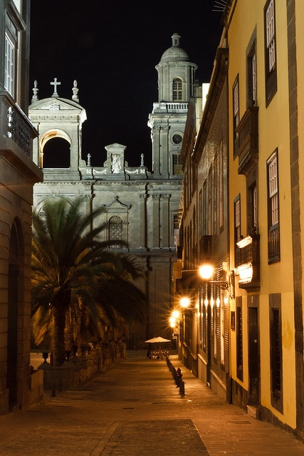 El encanto de las frescas noches de verano en el casco viejo de Vegueta, #GranCanaria.