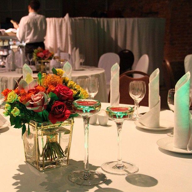 Добавила утонченной роскоши стеклу. Слегка изменился и характер атмосферы ужина.