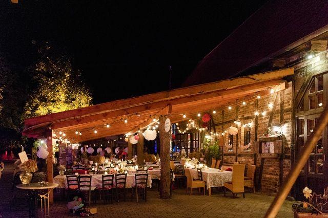 #bruiloft #trouwlocatie Trouwen in Duitsland: rustiek en bohemian | ThePerfectWedding.nl | Fotocredit: Youri Claessens Bruidsfotografie