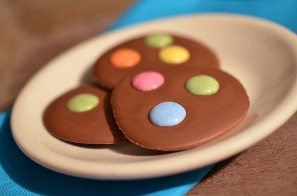 Süßes zu Karneval: Rezept für Schoko-Konfetti-Taler (www.rheintopf.com)