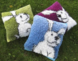 Tarinaryijyt. I would love to buy this DIY rug package. They are fabulous!