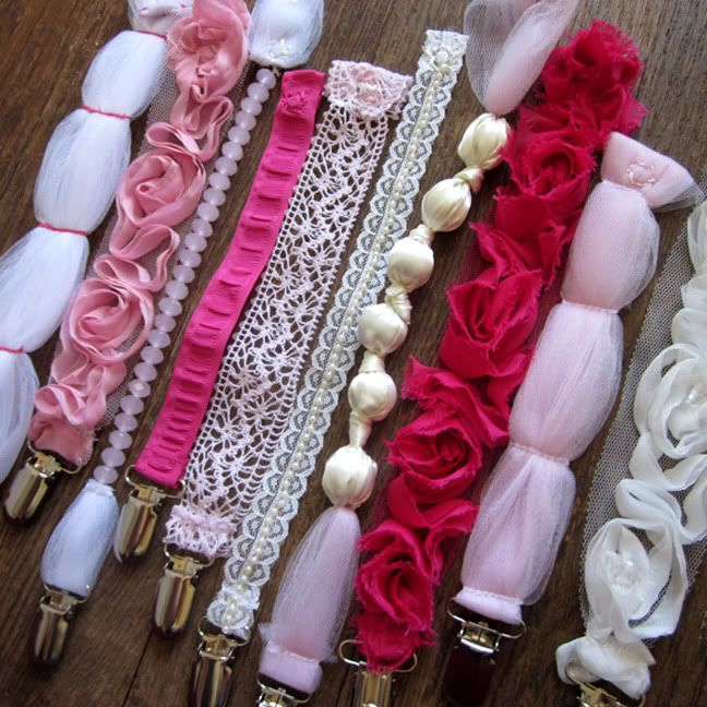 Adorable!!!!!!!!! making these for my sweet friend having twins!! #girly #pacifier #clips