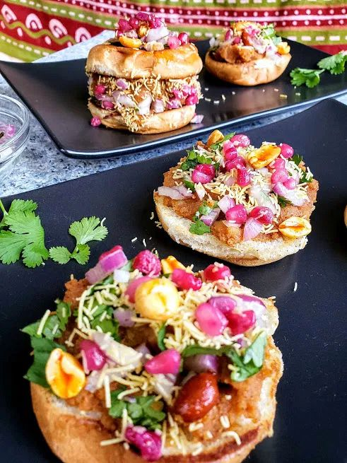 Dabeli is delicious and famous Indian street food. These spicy and tangy sliders…