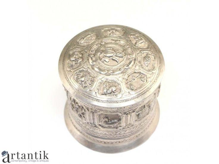 Caseta pentru betel - Zodiac Mahabote - argint - Myanmar