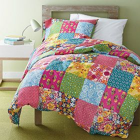 quilts for master bedroom 33 best images about bedding on 16926
