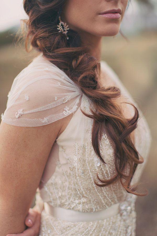 unkempt bridal hair, photo by Alixann Loosle http://ruffledblog.com/blush-and-gold-utah-wedding #weddinghair #beauty