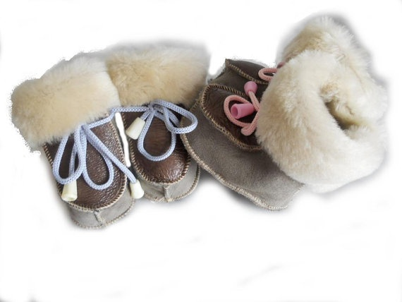 Bubblelicious Cozy Leather Baby booties by KultomaniA on Etsy, $20.00
