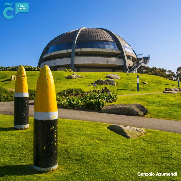 Date un paseo por el Monte de San Pedro y disfruta de las vistas de #ACoruña desde el interior de la Cúpula Atlántica.  Consulta los horarios y cómo llegar en nuestra guía de ocio del mes de enero bit.ly/guia_37_ac