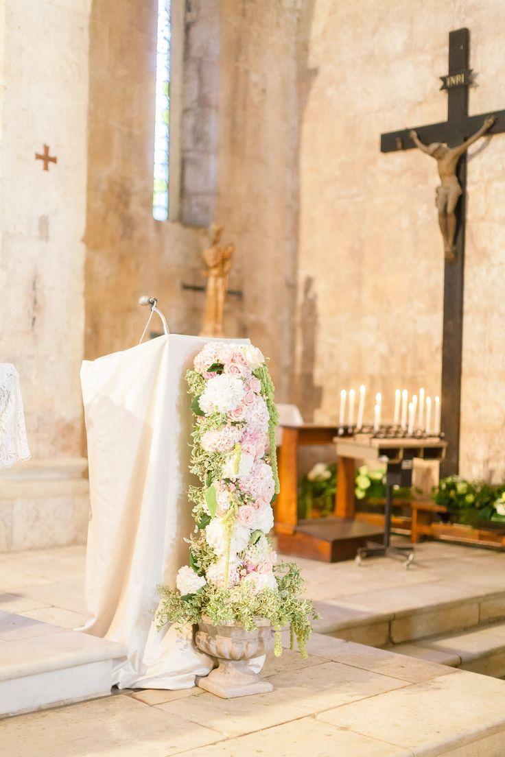 Decorazione per la chiesa: bianco, rosa, verde.. romantico, elegantissimo