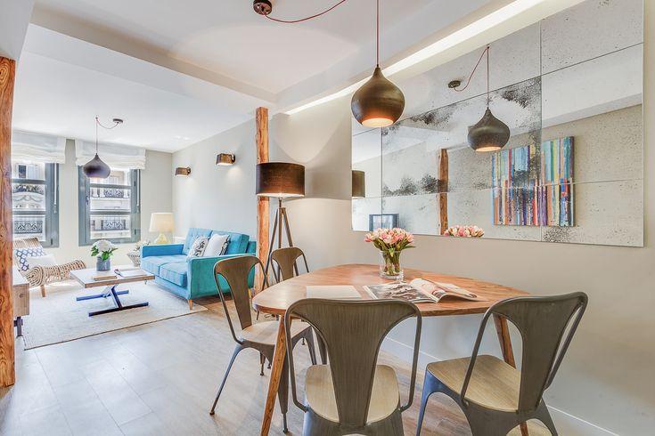 Pisos en alquiler en Chamberi, Madrid, Situado en pleno centro de Madrid, este atractivo piso de dos dormitorios es perfecto para zambullirse de lleno en la zona de moda de la ciudad.