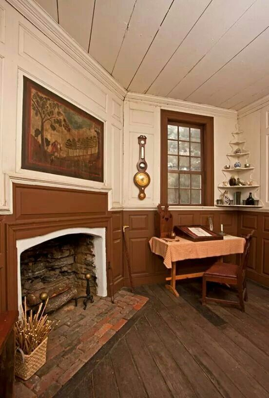 Early homes my idea of colonial a tad bit dressier for American style home decoration