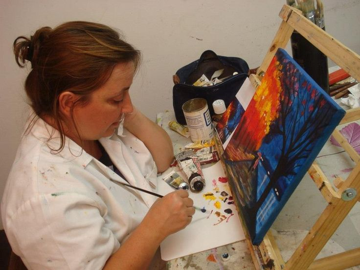 me doing my favorite thing   http://painting-mom.com/