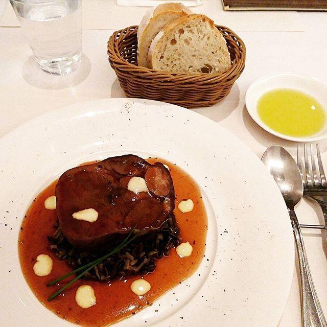 Dinner😋🍴💕(Part 1) 文句なしの絶品料理でした☺💯 店はジャニーズ事務所から 10m先にある店🎵店名忘れちゃった💦 Everyone TGIF🙌🙌🙌 ・ ・ ・ ・ ・ #restaurant #steak #beef #eat #food #foods #foodpics #foodlover #foodoftheday #delicious #yummy #tasty #cafe #dinner #dinnertime #肉 #ステーキ #料理 #飯テロ #美味しい #美味しかった #お腹いっぱい #ご飯 #カフェ #ディナー #お洒落 #写真 #写真好きな人と繋がりたい #写真撮ってる人と繋がりたい