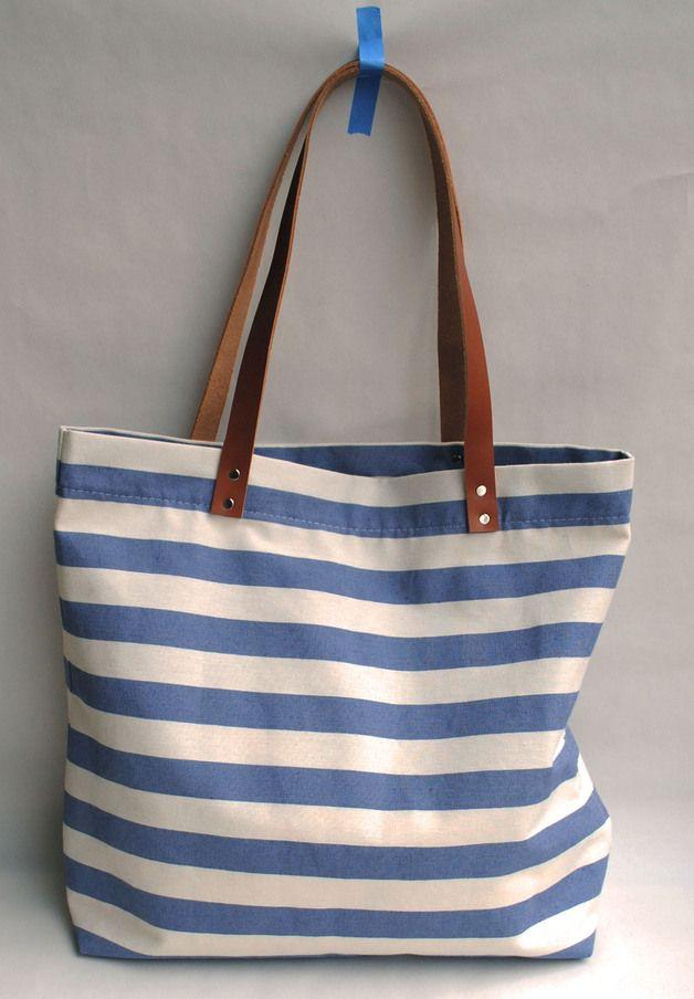 Blau weiß gestreifte Tasche // blue white striped bag by june shop via DaWanda.com