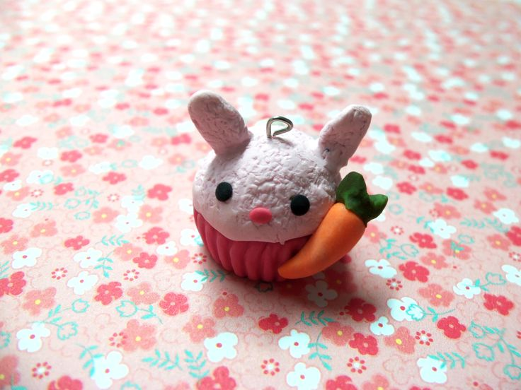 bunny with carrot cupcake  #cupcake #bunny #rabbit  visit my shop on etsy! www.etsy.com/shop/TheCraftyWhale