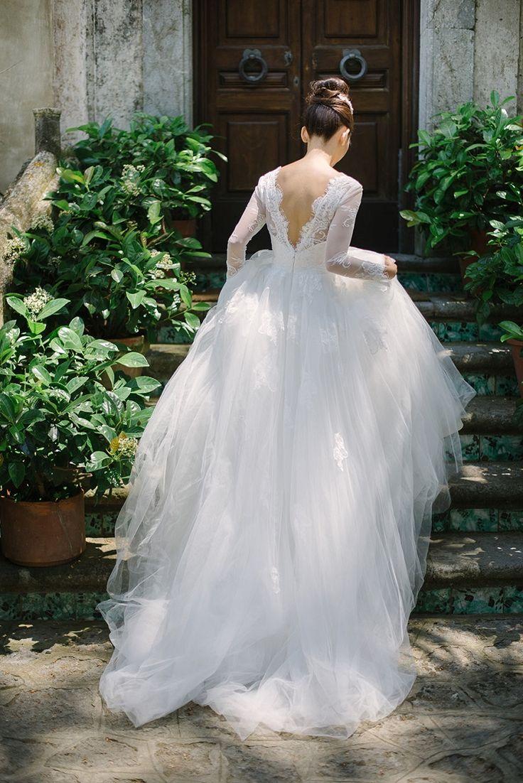 Winter Wedding Gown | Long sleeved wedding dress | fabmood.com #winterwedding #winterweddingdress #weddingown #longsleeve