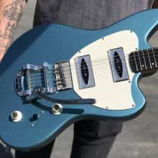Kauer Arcturus 2017 Orinoco blue