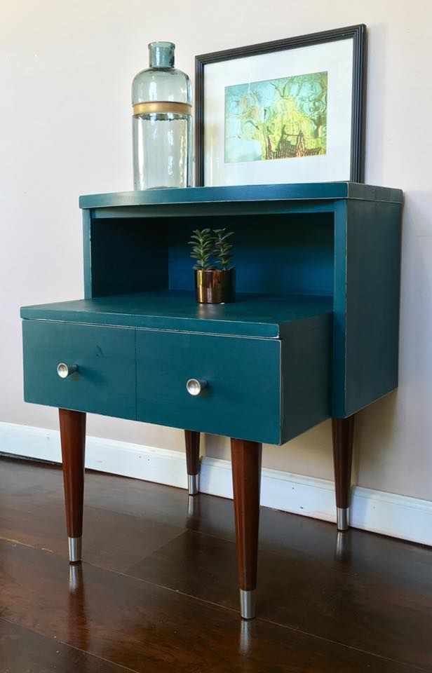 Recliner Sofa Carla Massey used CeCe Caldwell us Chalk Clay Paint in Thomasville Teal to update this Mid