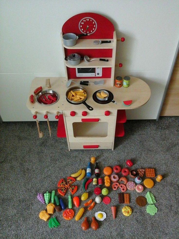 Kinderkueche aus Holz mit extra viel Zubehoer !!