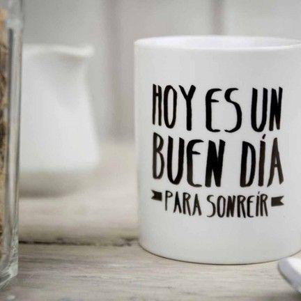 Taza Hoy es un buen día para sonreír. Diseño de Mr.Wonderful. A la venta en: http://www.mrwonderfulshop.es