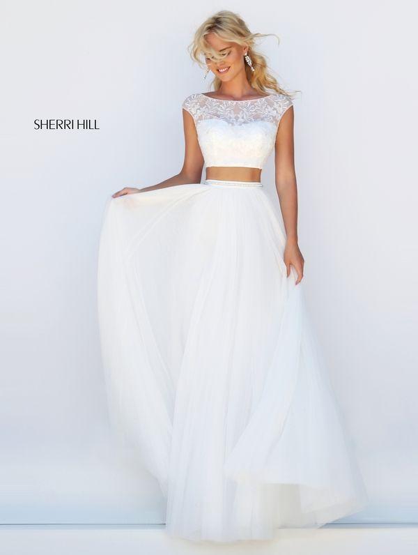 el modelo basico del vestido, la cintura iría un poco mas gruesa y el crop top diferente diseño