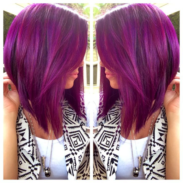 Love. If I ever go purple again I want this shade. Kind of like the cut too but not sure I could part with my long hair