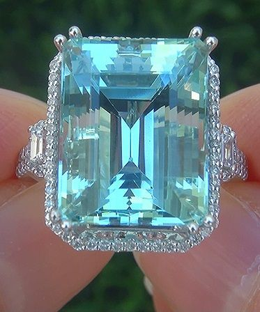 GIA 13.80 ct FLAWLESS Natural Aquamarine Diamond 14k White Gold Estate Ring