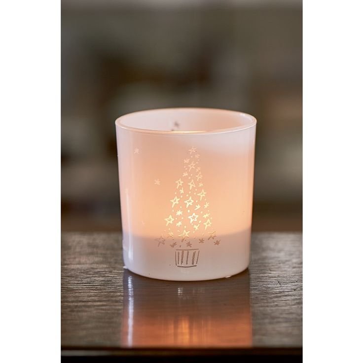 There is a cute Christmas tree on this Starry Christmas Tree Candle Holder made of white glass that lights up if you burn a candle in the holder. This way, the small candle holder spreads a beautiful light and exudes an atmospheric effect.
