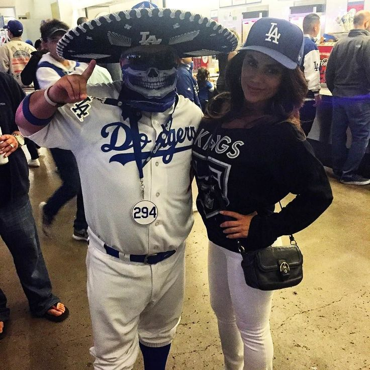 THINK BLUE: Ajuaa! I Finally Get To Meet The Bluetiful @abc7alysha It Was Nice Meeting U Hey U Should Do A Report On All The Traffic At Dodger Stadium Parking Lot Lol Jk  #Alysha #Abc7LA #MariachiLoco #InstaFamous #DodgerStadium #BlueHeaven #Pantone294 #WeAre294 #WeLoveLA #DieHardFan #BleedBlue #DodgerBlue #BleedDodgerBlue #DodgerBlueInMyBlood #LA #Dodgers #ITFDB #LoyalFan #DodgerFam #DodgerPride #LetsGoDodgers #GoDodgers #DodgerNation #VivaLosDodgers #PuroPincheDodgers #LosDoyers…