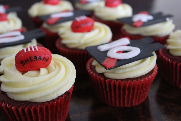 AFL Essendon cupcake toppers made with homemade marshmallow fondant