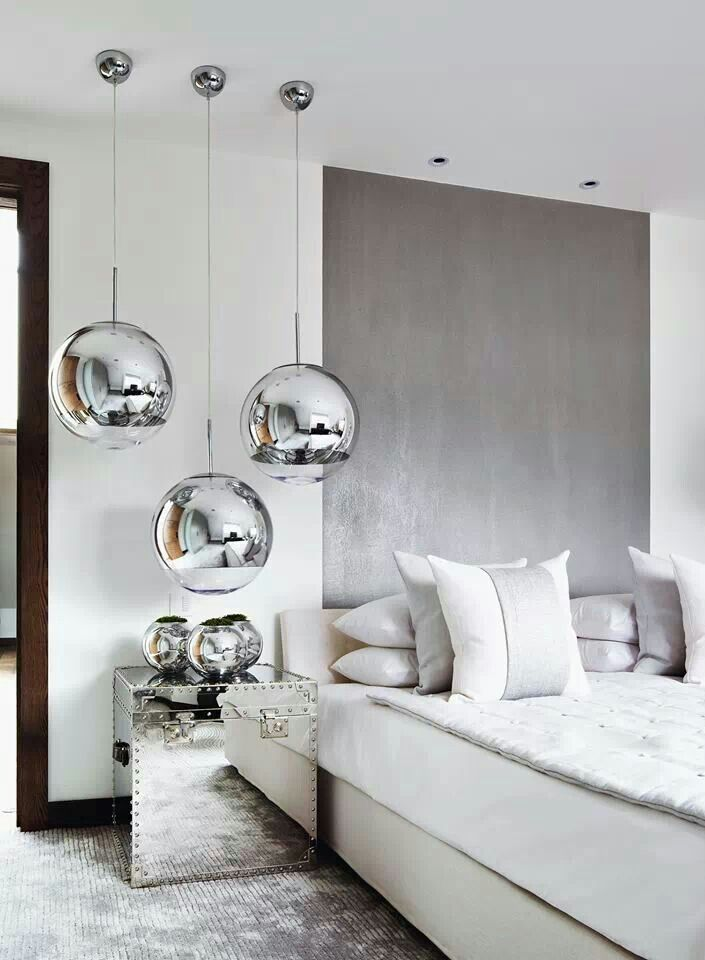 Focal ceiling lighting instead of using conventional bedside lamps