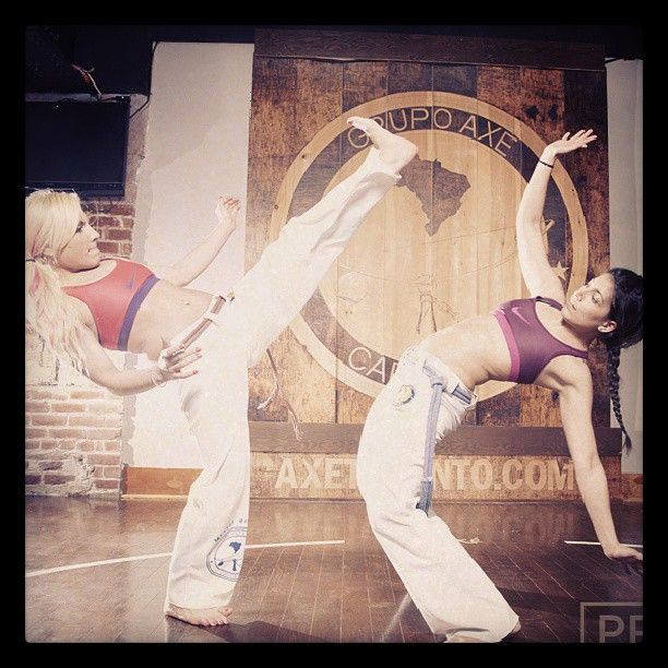 Axe Capoeira Toronto Girls