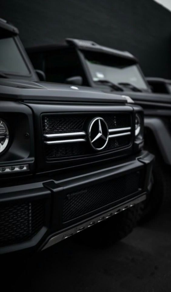 Beautiful front view of the Mercedes-Benz G series, ready to cruise with this nice car? Beautiful and nice automobile. High-end luxury sport cars #Lux…