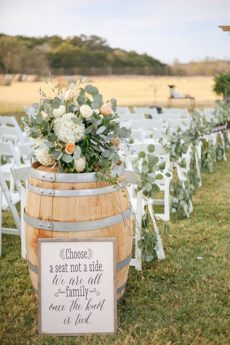 Beautiful Rustic Country Wedding - The SnapKnot Blog | Country wedding  foods, Rustic country wedding, Country wedding