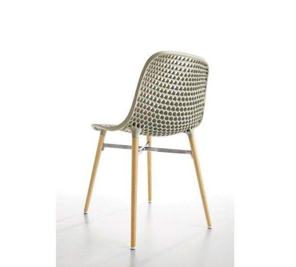 Nowoczesne i minimalistyczne krzesło.