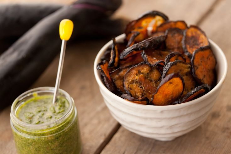 Eggplant Chips with Cilantro Pesto: Potatoes Chips, Healthy Chips, Eggplants Recipes, Cilantro Pesto, Chips Veggie, Healthy Fruit, Dips Sauces, Chips Recipes, Eggplants Chips