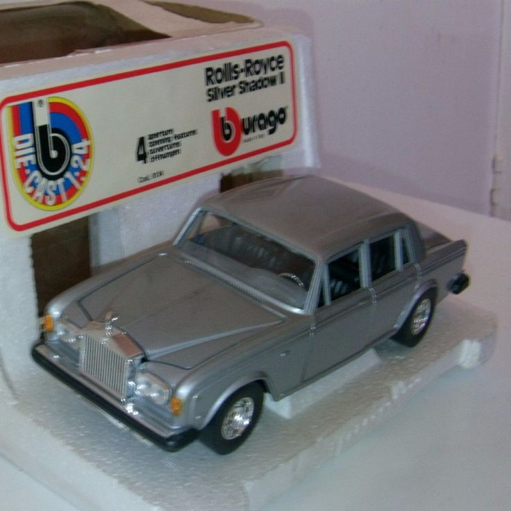 ITEM Burago early example of a Rolls Royce Silver Shadow II they made in good size 1 24 scale made in italy in the 1980 s made from diecast with