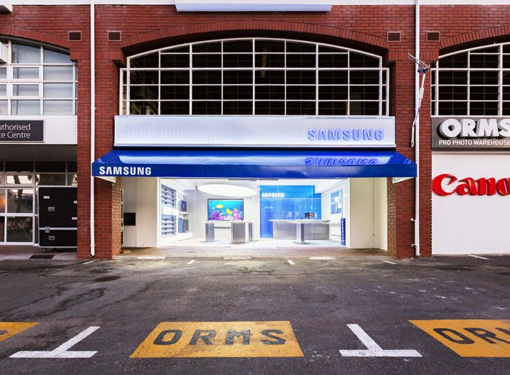 The brand new Orms Samsung Galaxy Store is opening at Roeland Square at 12:00 PM tomorrow! We can't wait!   Remember that you can stand a chance of winning 1 of 5 Samsung Galaxy S4 Zoom smartphones by visiting the store tomorrow or Saturday and sharing a photo of your favourite aspect or product!  Here's all the competition details, including a map to the store: http://www.ormsconnect.co.za/2014/04/giveaways-orms-samsung-store-opening/