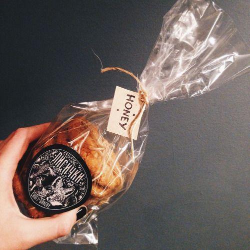 Свеженькие сладости от @lisichki_bakery приехали. Заходите завтра на клубничный пирог обязательно.🍓 #petersburg #spb #кофейня #dessert #десерт #кофе #чай #чайная #ohmytea #ohmytearu #ohmytea_ru #спб #сладости via Instagram http://ift.tt/21xyneE