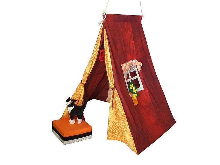 Hanging Houses: Stoer punt speeltentje, gemaakt van resten stof. Ook heel geschikt om binnen op te hangen.