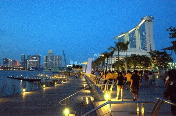Marina Bay, Singapore | 2-Night Singapore City Stopovers | Distant Journeys | http://www.distantjourneys.co.uk/blog/4-delights-that-await-you-in-singapore/