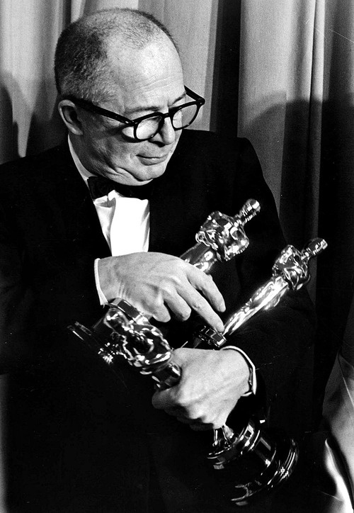 Billy Wilder with the three Oscars he won at the 33rd Academy Awards for writing, directing and producing The Apartment. April 17th, 1961.  Here's Wilder the day after with all of his Oscars.
