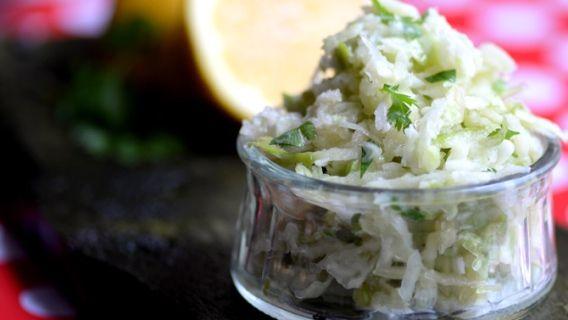 Salade de chou-rave - Recettes de cuisine, trucs et conseils - Canal Vie