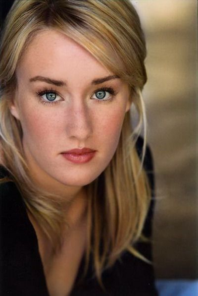Ashley Johnson: The voice of Gwen Tennyson in Ben 10: Alien Force, Ben 10: Ultimate Alien, and Ben 10 Omniverse, Ellie in The Last of Us,  Gretchen Grundler in Recess, Terra in Teen Titians, and Jinmay in  Super Robot Monkey Team Hyper Force Go!