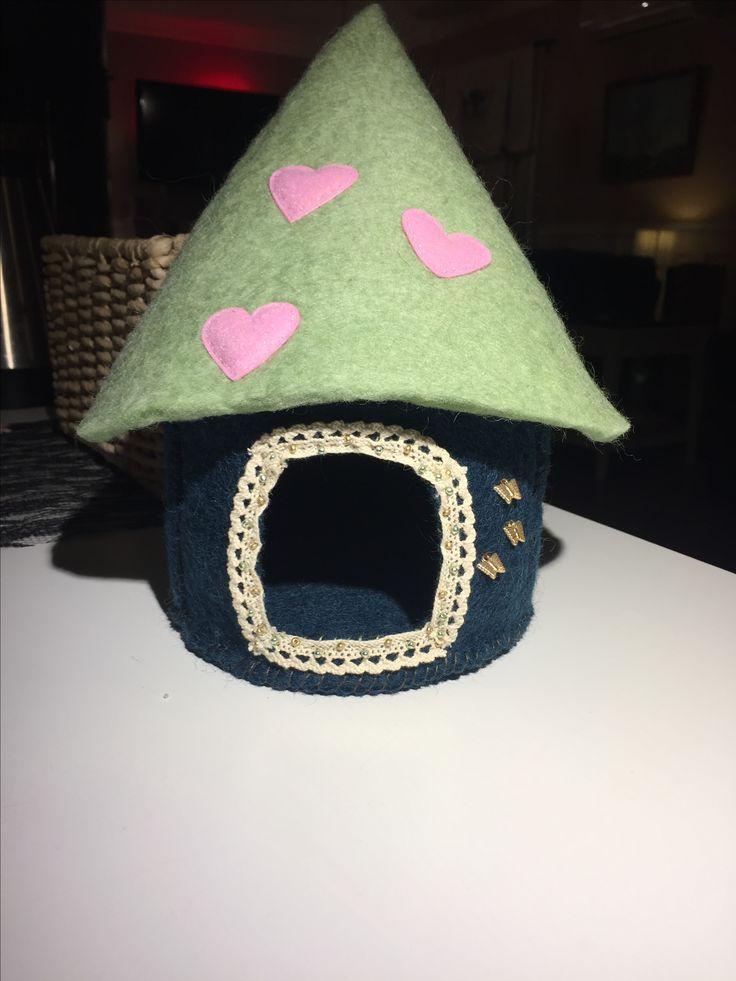 Felt playhouse