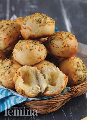 Garlic Cheese Roll