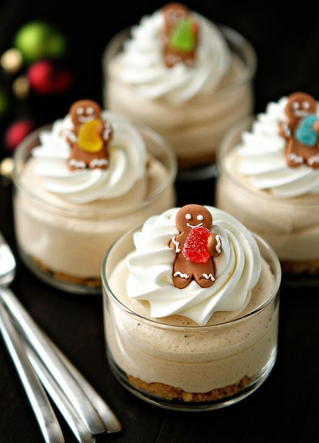 Gingerbread Oreo No Bake Mini Cheesecakes |  14 Christmas Dessert Recipes Every Holiday Celebration Needs by Homemade Recipes at http://homemaderecipes.com/cooking-102/seasonalholiday-recipes/14-christmas-dessert-recipes/