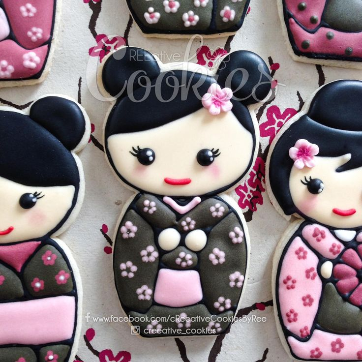 Kawaii Kokeshi Doll Closeup by cREEative Cookies, posted on Cookie Connection