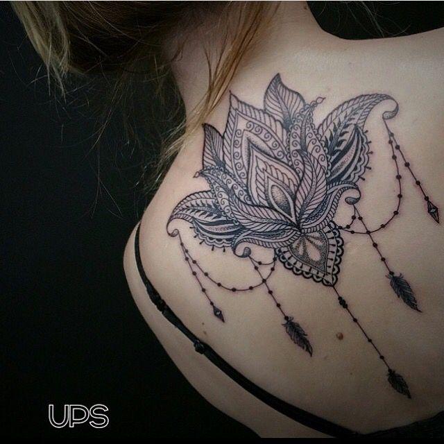 A tatuagem da Flor de Lótus significa pureza e elevação espiritual, pode também significar elegância, beleza, perfeição e graça em muitas culturas asiáticas